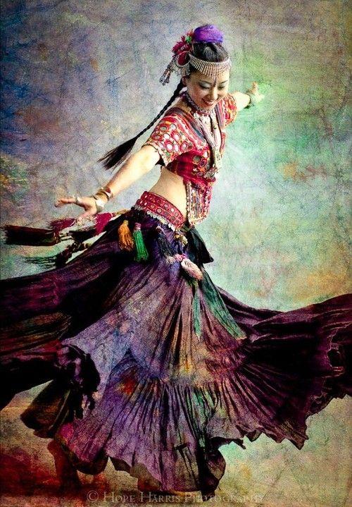 Dance shop in conscious movement