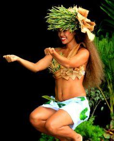Danse tradisyon pou n viv lajwa depase tan an nan mouvman ak konsyans | kadans Hula