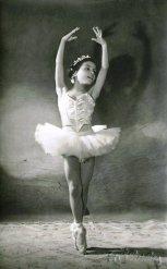 Petite ballerine, Russie Culture  | https://www.pinterest.com/artpreneure/russia-culture-russie/