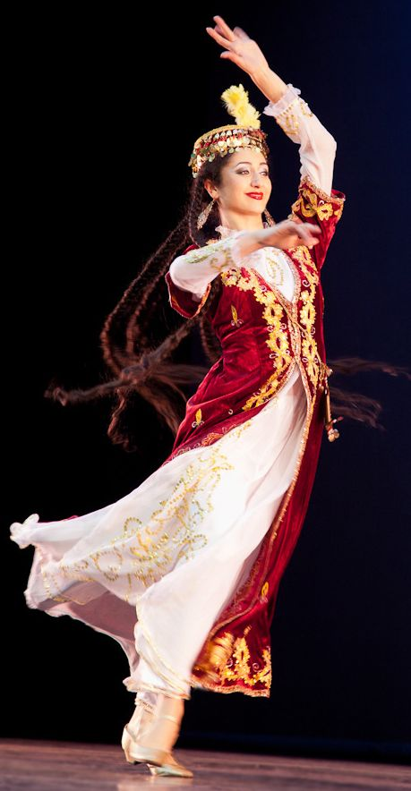 Dans pèp Lapèrs / Persian dance |https://www.pinterest.com/artpreneure/middle-east-culture-moyen-orient/
