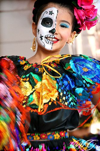 Kadanse tradisyon kilti laten: Dia de Los Muertos
